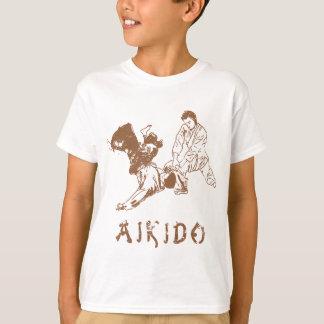 合気道の投球 Tシャツ