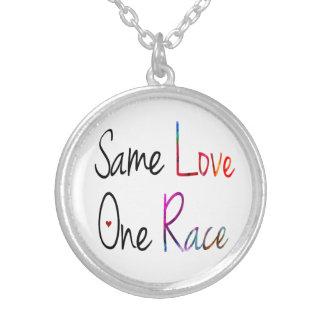同じ愛、1つの競争のネックレス シルバープレートネックレス