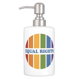 同輩の権利の浴室セット バスセット