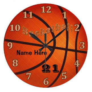 名前およびジャージー数を用いるバスケットボールの時計 ラージ壁時計