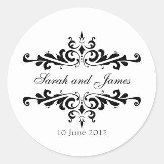 名前および日付を持つエレガントな結婚式用シール ラウンドシール