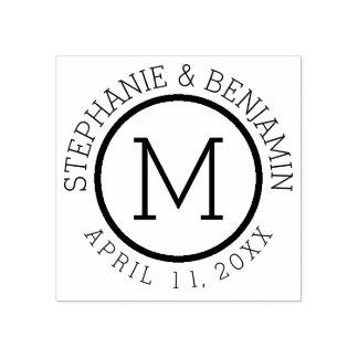 名前および結婚式の日付が付いているシンプルなモノグラム ラバースタンプ