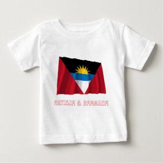 名前のアンチグアバーブーダの振る旗 ベビーTシャツ
