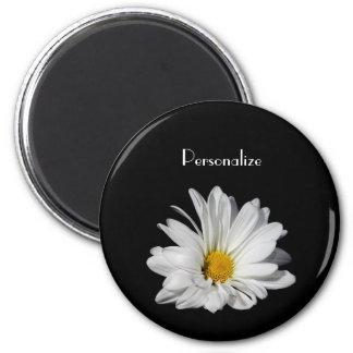 名前のエレガントな白いデイジーの花 マグネット