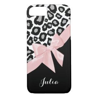 名前のヒョウの点そしてピンクの弓 iPhone 7ケース