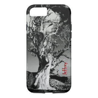 名前の黒く及び白く恐い木のファインアートの写真 iPhone 8/7ケース