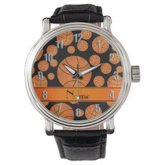 名前をカスタムするのおもしろいの黒のバスケットボールのオレンジのストライブ柄 腕時計