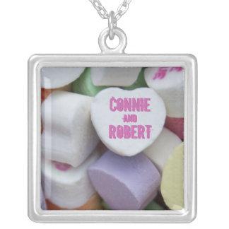 """名前をカスタムするの""""バレンタインのキャンデー""""のpremのネックレス シルバープレートネックレス"""