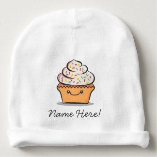 名前入りでかわいいカップケーキのベビーの帽子 ベビービーニー