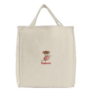 名前入りでかわいい小さな女の子によって刺繍されるトートバック 刺繍入りトートバッグ