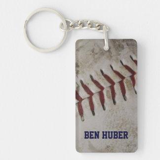 名前入りでグランジな汚れた野球のキーホルダー キーホルダー