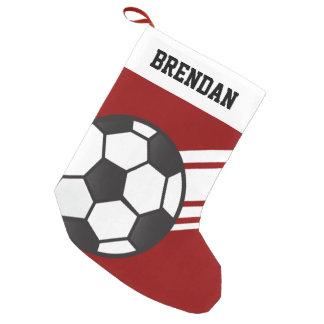 名前入りでスポーティでストライプなサッカーボールの赤 スモールクリスマスストッキング