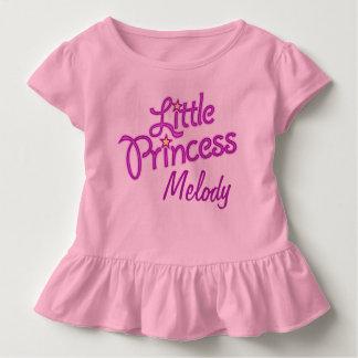 名前入りで小さいプリンセスの写実的な文字の女の子 トドラーTシャツ