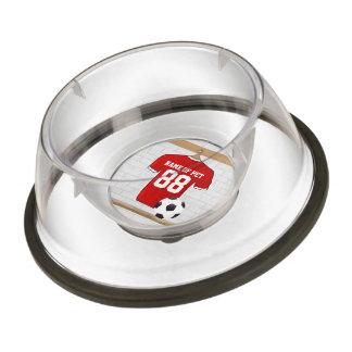 名前入りで赤く白いフットボールのサッカージャージー 犬用食器