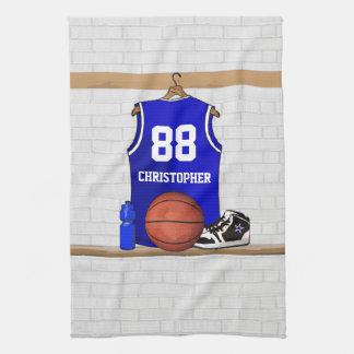 名前入りで青および白いバスケットボールジャージー キッチンタオル