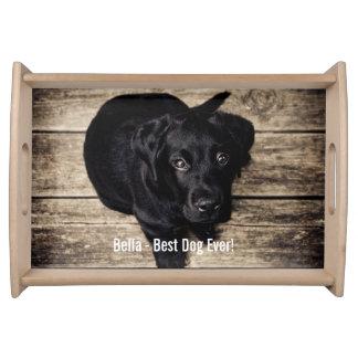 名前入りで黒い実験室犬の写真および犬の名前 トレー