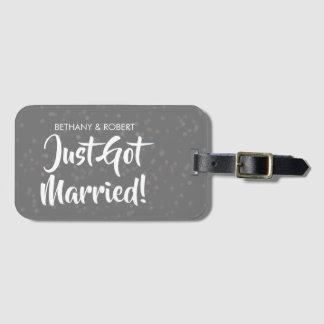 名前入りなちょうど結婚された銀製の紙吹雪 ラゲッジタグ