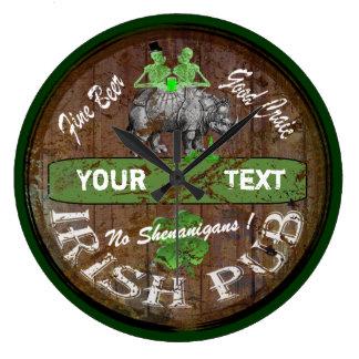 名前入りなアイルランドのパブの印 ラージ壁時計