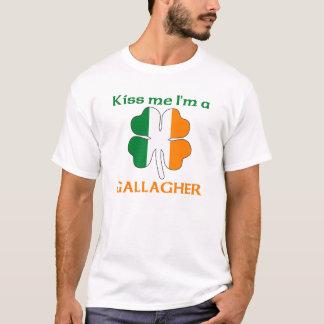 名前入りなアイルランド語は私によってがGallagherである私に接吻します Tシャツ