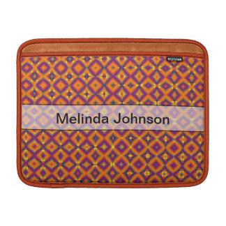 名前入りなオレンジ紫色の道化師パターン MacBook スリーブ