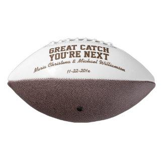 名前入りなガーターのトスのフットボール アメリカンフットボール