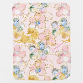 名前入りなガーリーな花のユニコーンのピンクの金ゴールド ベビー ブランケット