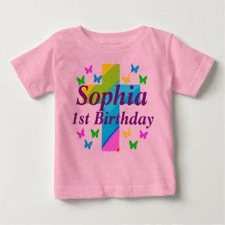 名前入りなクリスチャンの第1誕生日のTシャツ ベビーTシャツ