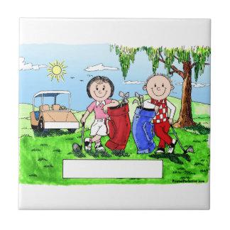 名前入りなゴルフカップルの漫画の風刺漫画 タイル