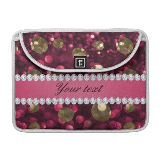 名前入りなショッキングピンクの金ゴールドの《写真》ぼけ味の模造のなダイヤモンド MacBook PROスリーブ