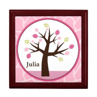 名前入りなジャングルジルか女の子の木の記念品箱 ギフトボックス