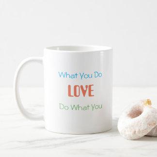 名前入りなタイポグラフィのマグ コーヒーマグカップ