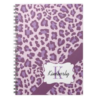 名前入りなヒョウの紫色およびラベンダーのノート ノートブック