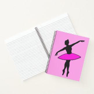 名前入りなピンクのバレエダンサーのチュチュの特性 ノートブック