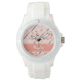 名前入りなピンクのフルート 腕時計