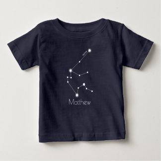名前入りなベビーのアクエリアスの(占星術の)十二宮図の星座 ベビーTシャツ