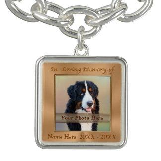 名前入りなペット記念のブレスレットの写真および名前 チャームブレスレット