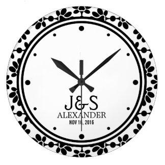 名前入りなモダンな結婚式のカップル ラージ壁時計