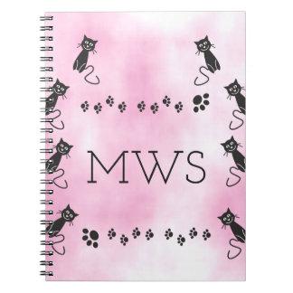 名前入りなモノグラムのかわいい黒猫のイラストレーション ノートブック