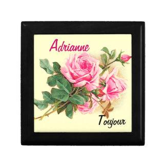 名前入りなロマンチックなピンクのバラ ギフトボックス