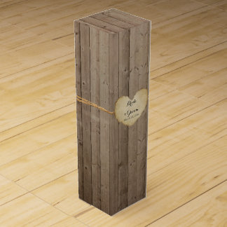名前入りなワイン箱の素朴な木製の塀のハート ワイン用化粧箱