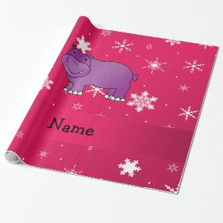 名前入りな一流のカバのピンクの雪片 ラッピングペーパー