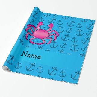 名前入りな一流のピンクのカニの青いいかりパターン ラッピングペーパー