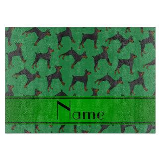名前入りな一流の緑の(犬)ドーベルマン・ピンシェル カッティングボード