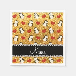 名前入りな一流の黄色いグリッターのペンギンのハート スタンダードカクテルナプキン