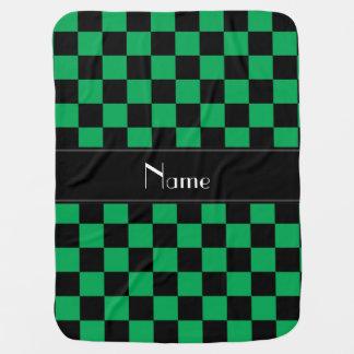 名前入りな一流の黒いおよび緑のチェッカー ベビー ブランケット