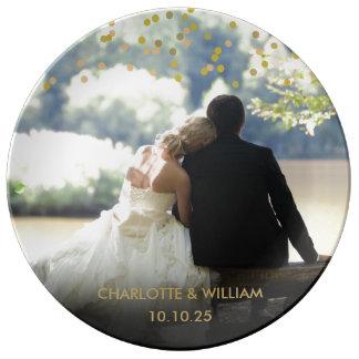 名前入りな写真の金ゴールドの紙吹雪の結婚式 磁器プレート