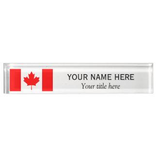 名前入りな名前およびタイトルのカナダ人の旗
