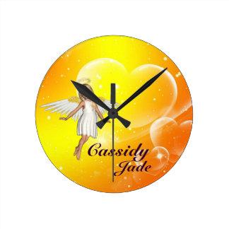 名前入りな天使の柱時計-黄色いハート ラウンド壁時計