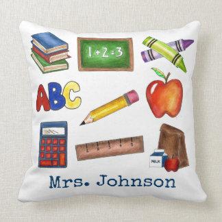 名前入りな学校教育の先生のギフトの枕 クッション