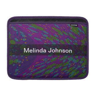 名前入りな宇宙紫色の抽象芸術 MacBook スリーブ